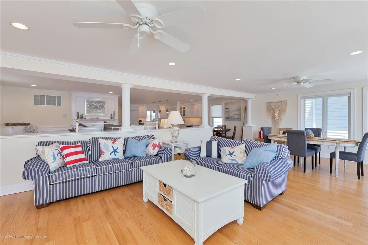 Luxury properties Riverfront Lifestyle - Beachside Living