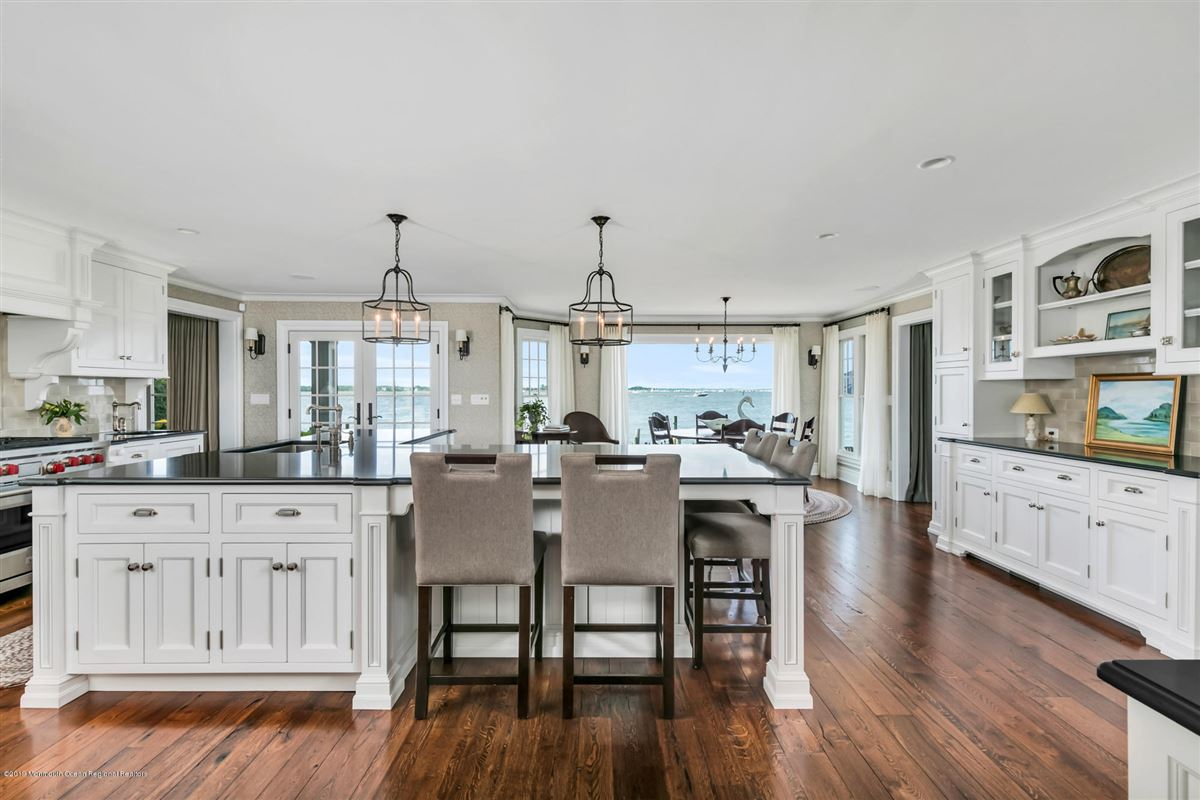 Luxury real estate Exclusive Bayfront Home