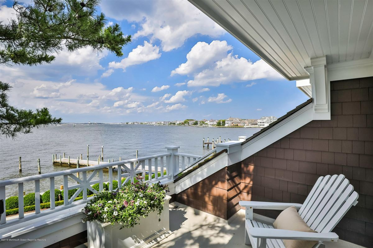 Exclusive Bayfront Home  luxury properties