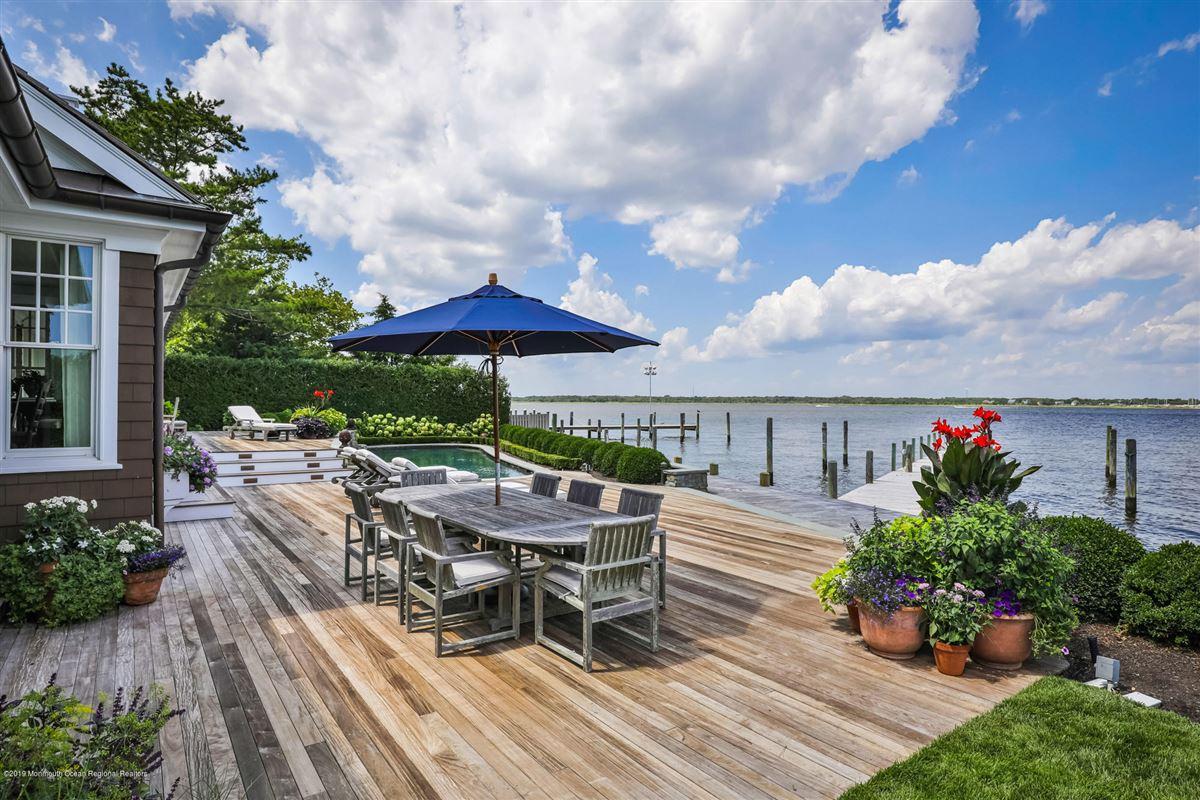 Exclusive Bayfront Home  luxury homes