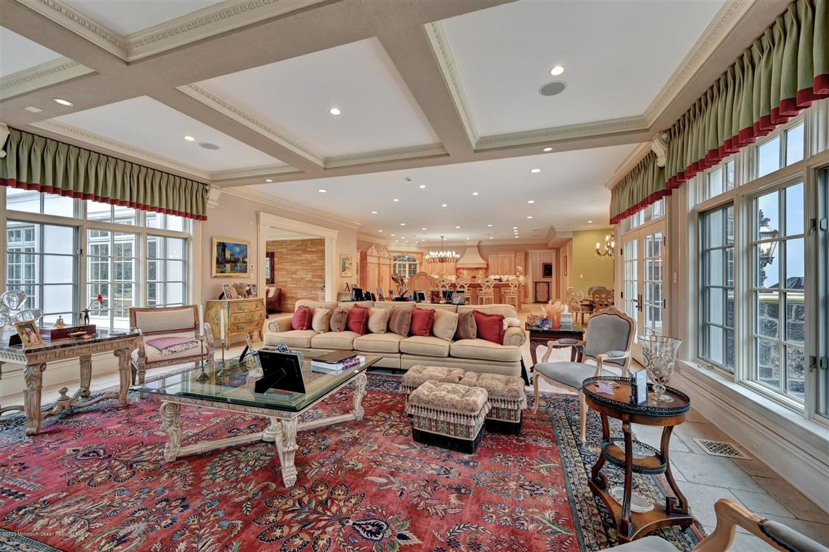 unparalleled Rumson Gated Estate luxury properties