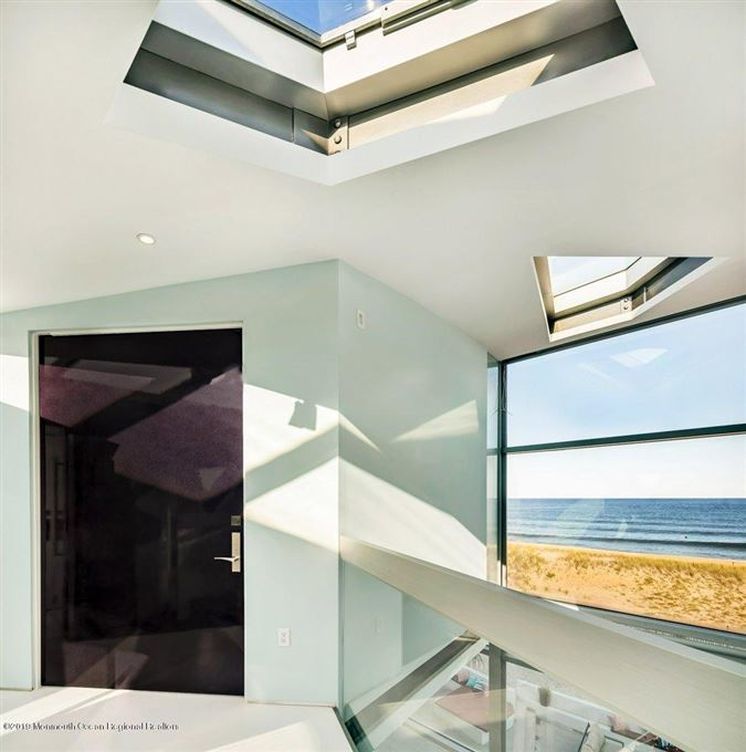 Luxury homes modern oceanfront elegance on a double lot