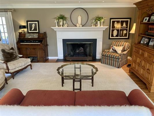 Luxury homes a Fabulous private wooded setting