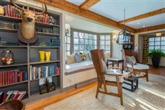 Luxury properties a Fabulous private wooded setting