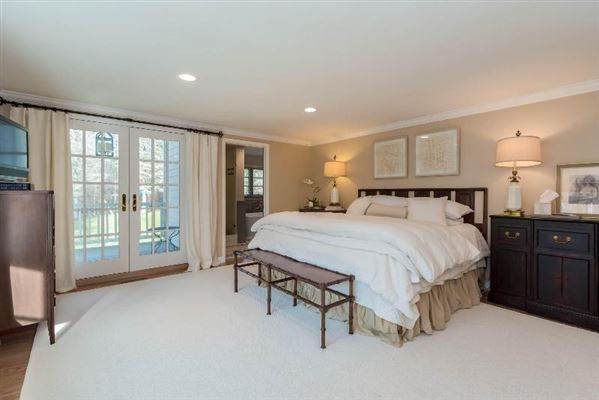 a Fabulous private wooded setting  luxury homes