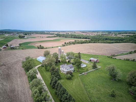 WINDY RIDGE FARM luxury homes