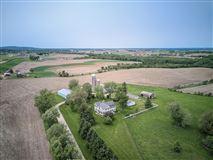 WINDY RIDGE FARM mansions