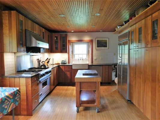 Luxury real estate Lovely Wyoming Valley Century farm