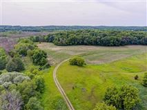 a perfect 107 acre setting luxury properties