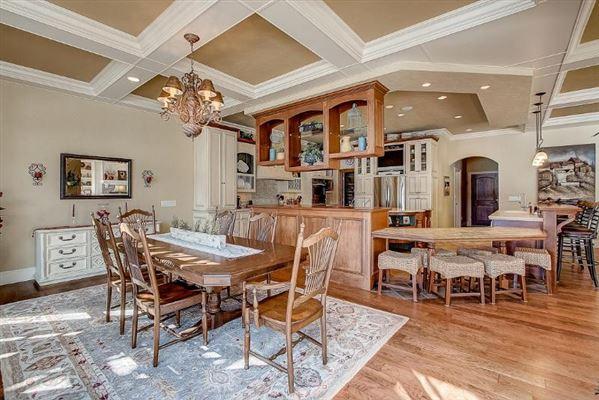 Luxury properties Incredible custom-built lake home with panoramic views