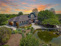 amazing 100-plus-acre estate mansions