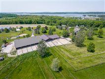 Luxury real estate amazing 100-plus-acre estate