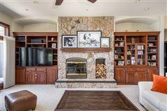 Premier Lake Butte des Morts Home luxury properties