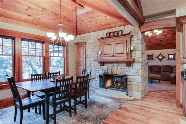 STUNNING HOME ON PRIVATE WOODED BIG CEDAR EAST SIDE luxury homes