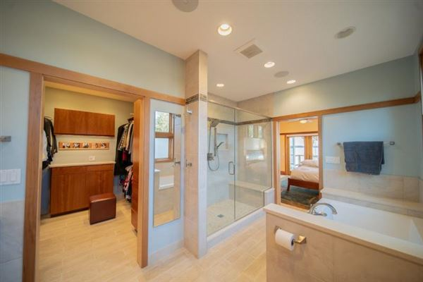 Luxury homes Perfectly designed and sited custom home
