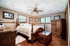 beautiful Farmhouse in Wisconsin luxury homes