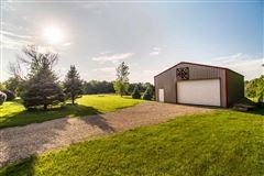 beautiful Farmhouse in Wisconsin luxury properties
