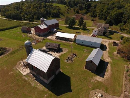 Luxury homes an amazing 198 acre farm in cross plains