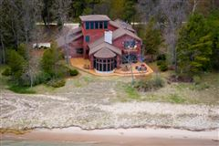 Luxury real estate private wooded retreat on the beach