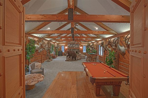 Flying J Ranch - unique 700 acre property luxury homes