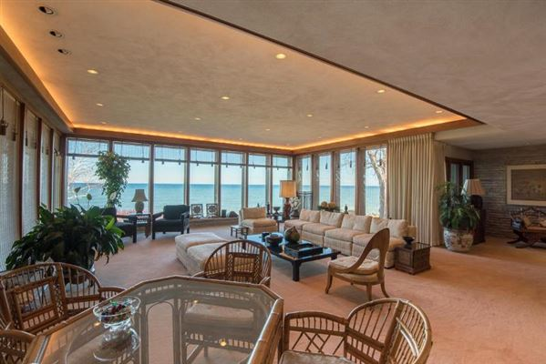 Luxury properties contemporary lakefront home