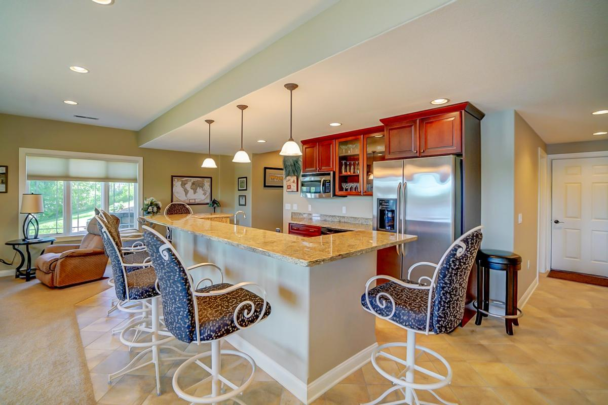 Luxury homes Lakeside to Inside, Nothing Less than Spectacular