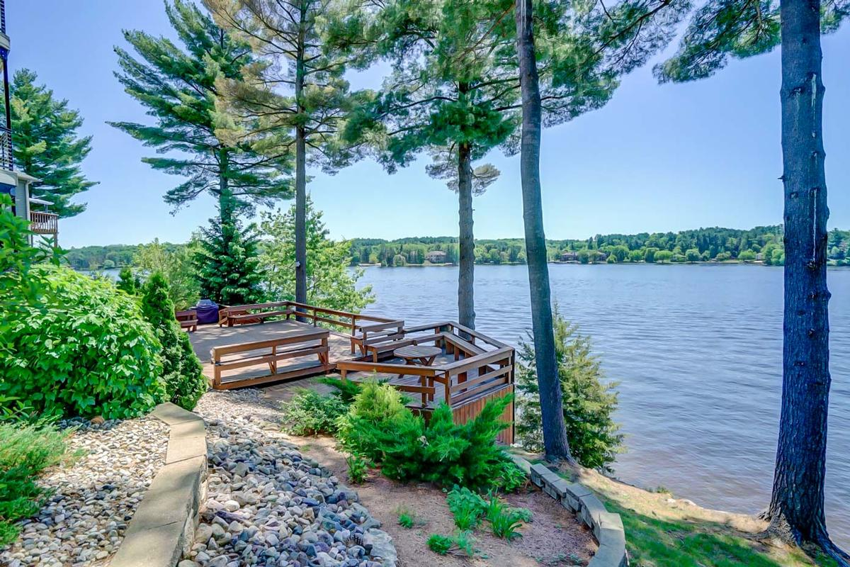 Lakeside to Inside, Nothing Less than Spectacular luxury properties