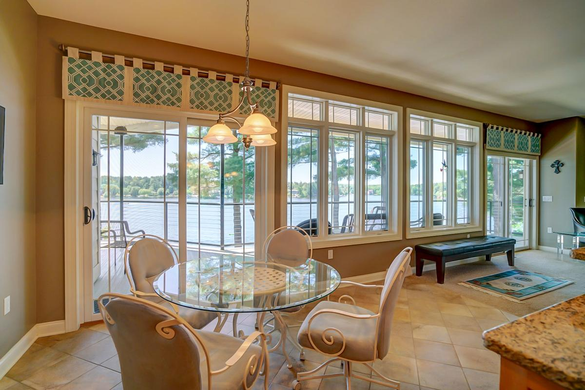 Lakeside to Inside, Nothing Less than Spectacular luxury homes