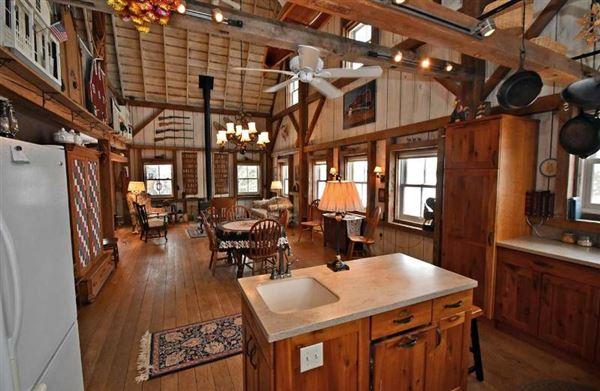 Luxury homes 1914 Historic Cooksville Farm