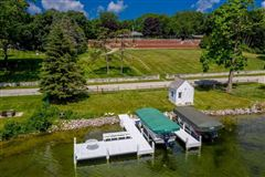 Luxury homes in unique and fun lakefront property