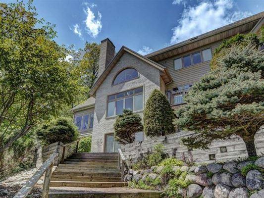 Luxury real estate impressive home on Crescent Lake