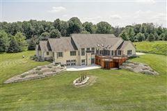 Luxury real estate Cedar Creek Paradise