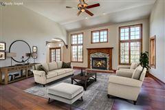 Luxury properties Cedar Creek Paradise