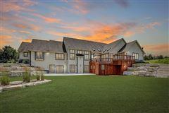 Luxury homes Cedar Creek Paradise