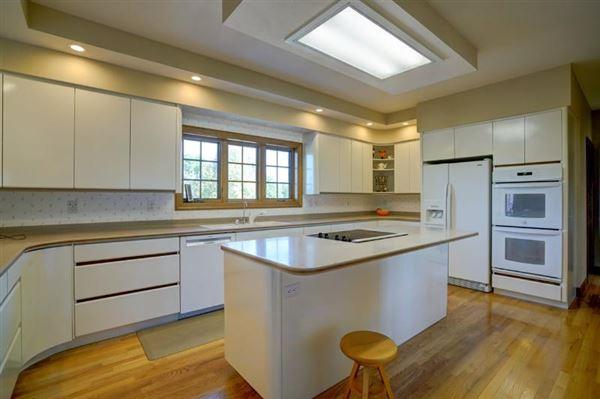 Luxury homes in five Acres overlooking Token Creek Conservancy