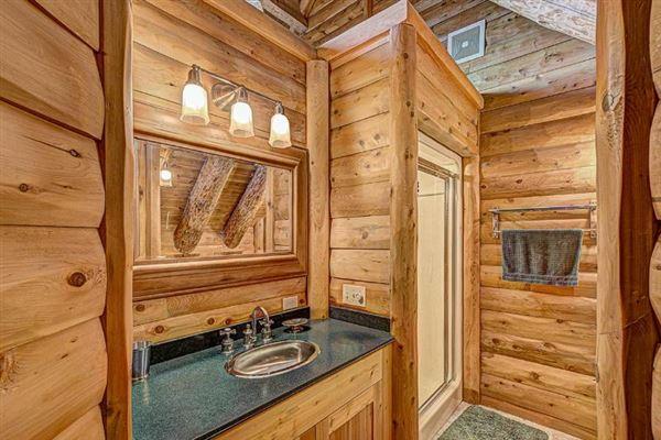 Luxury properties Bass Lake Lodge - a Northwoods playground