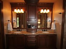 Luxury homes 8 Gables Retreat - a real legacy estate