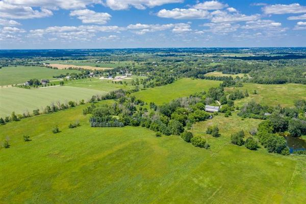 Luxury properties 120 acres near Holy Hill