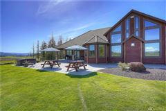 a Breathtaking Lodge Style Home luxury homes
