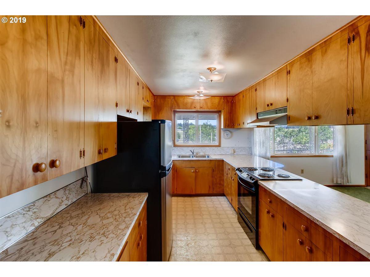 close-in acreage luxury properties