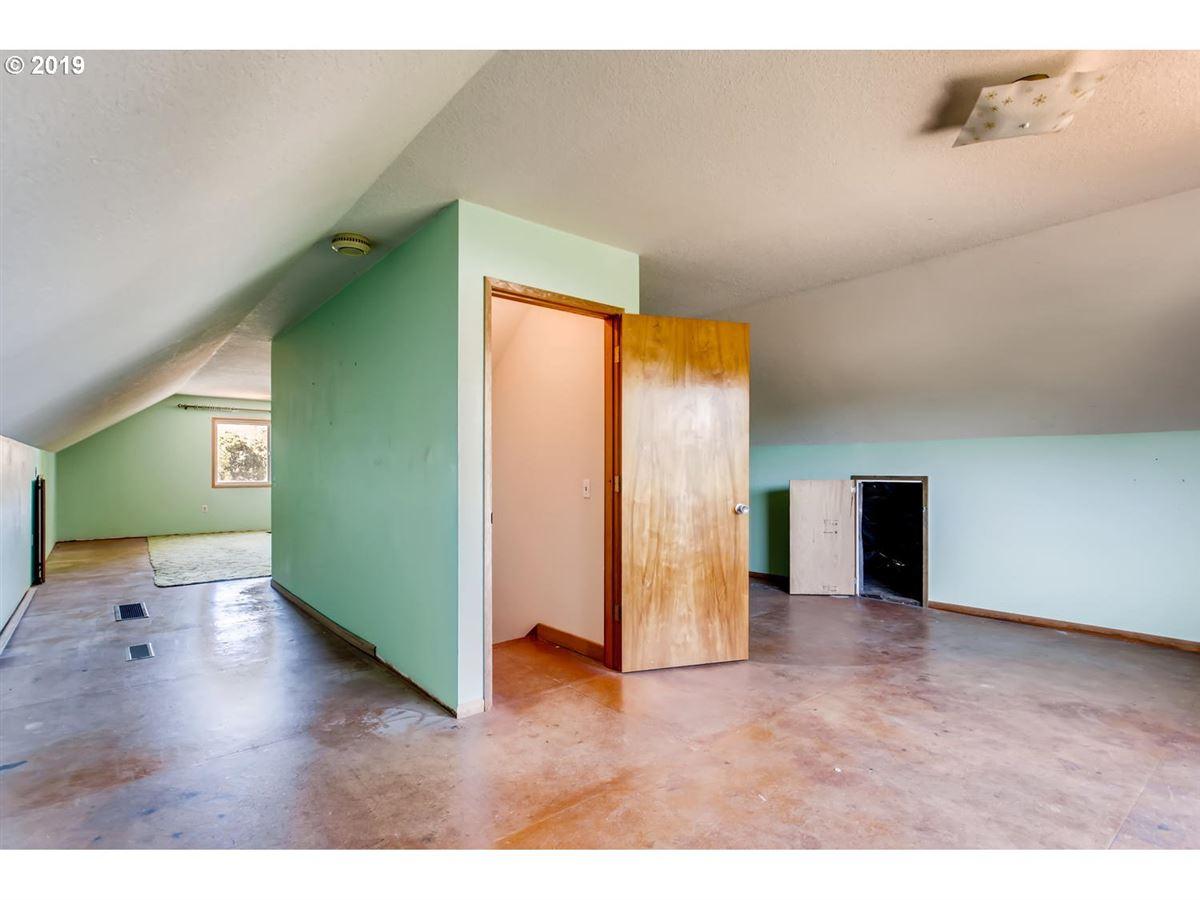 close-in acreage luxury homes