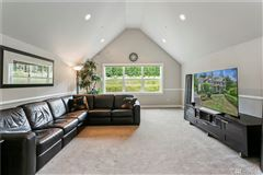Luxury homes in Spread out andrelax