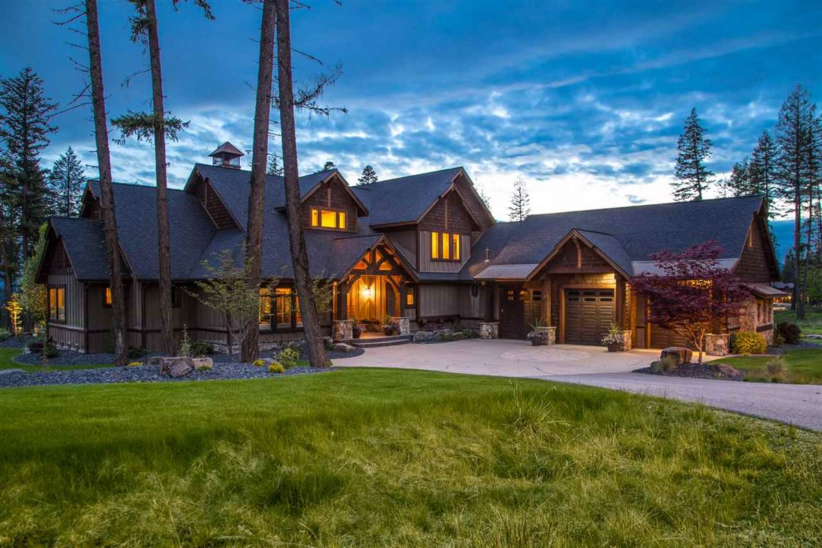 EXCEPTIONAL HOME IN A GATED WATERFRONT COMMUNITY | Idaho