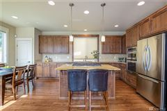 Luxury homes Impeccably appointed home in sought-after Chandler