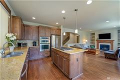 Impeccably appointed home in sought-after Chandler luxury homes