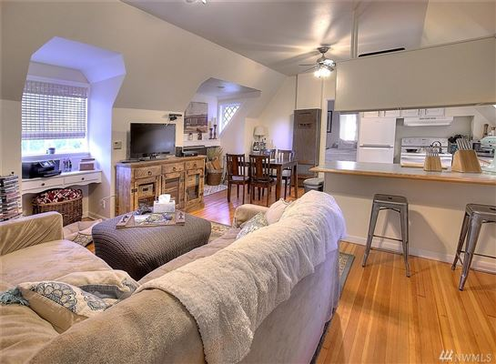 Luxury properties Elegant Estate Includes Gourmet Kitchen and Patio