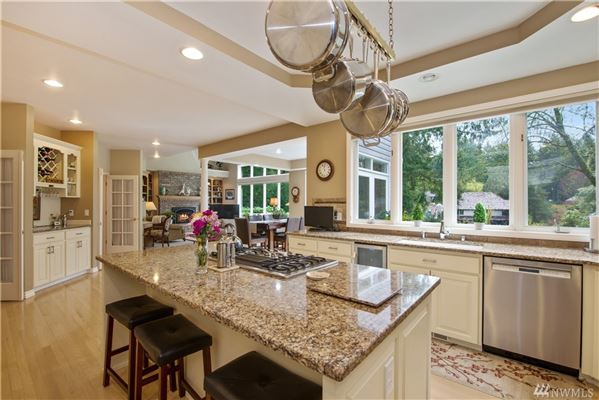 Luxury homes stately canterwood home boasts style and grace
