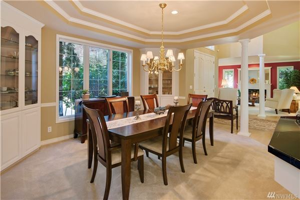 Mansions stately canterwood home boasts style and grace