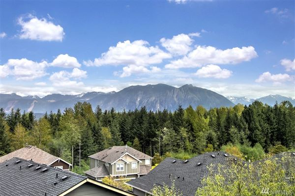 An immaculate Mount Si view home  luxury properties