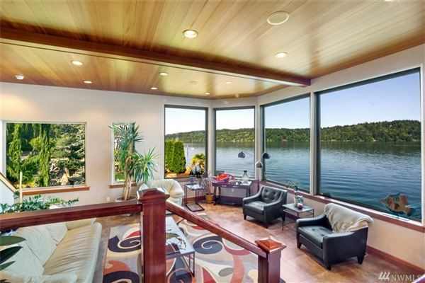 Luxury real estate hidden gem on the shores of Prospect Point